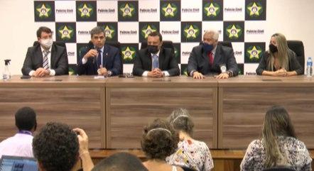 Padrasto e Monique Medeiros são suspeitos de tentar atrapalhar as investigações sobre a morte do garoto de 4 anos um mês atrás
