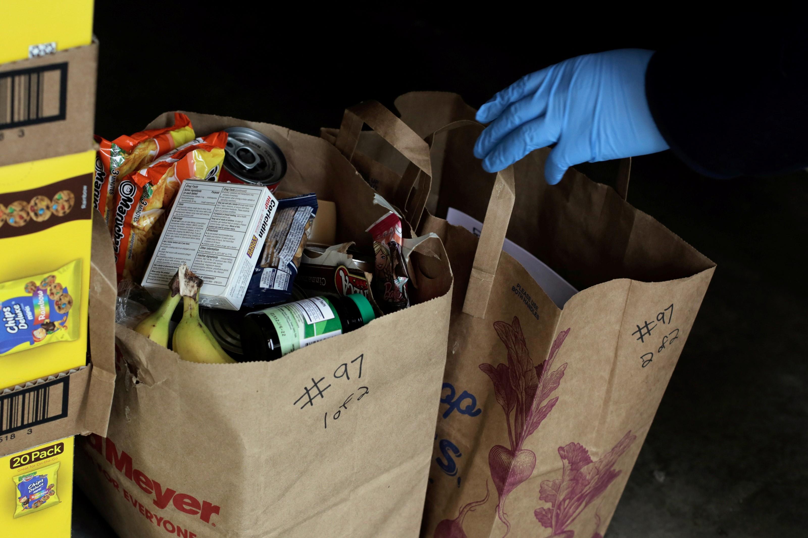 Alimentos, farmácia, brinquedos: vendas on-line crescem durante quarentena e levam empresas a mudar rotinas